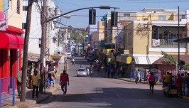 1280px-Street_in_Montigo_Bay_Jamaica_Photo_D_Ramey_Logan