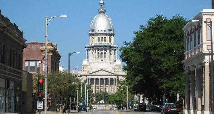 Illinois Lawmakers adjourn without passing budget
